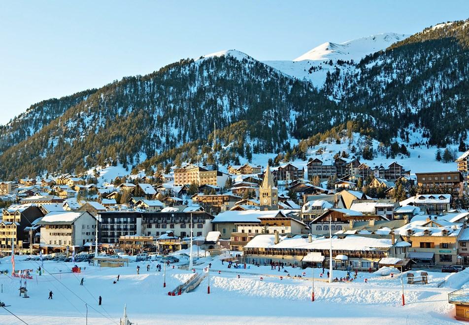 4-montgenevre-ski-front-de-neige-1.jpg