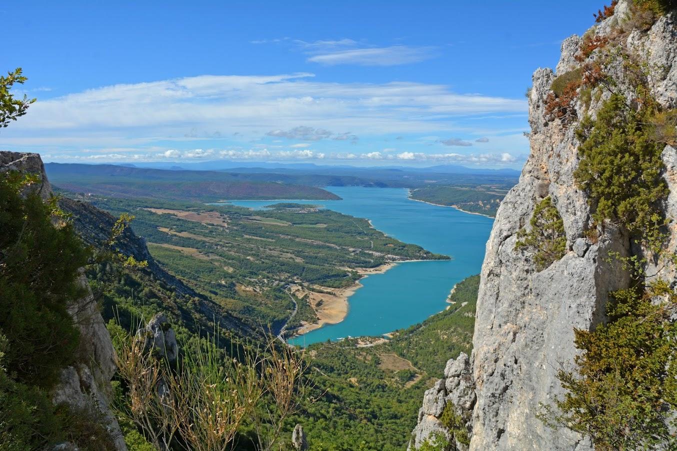 Vue-sur-lac-De-Ste-Croix-du-haut-de-la-Crete-de-Plein-Voir-1.jpg